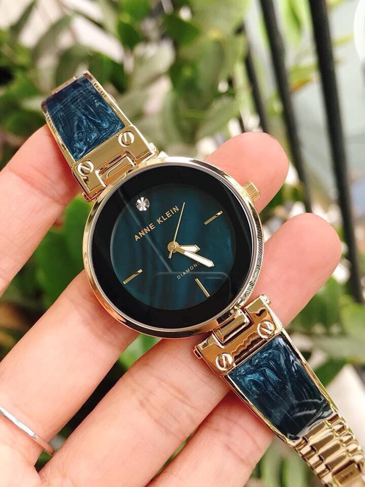 Nhìn chung đồng hồ Anne Klein được đánh giá rất cao về mẫu mã và chất lượng
