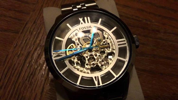 Các dòng đồng hồ Fossil được thiết kế tinh tế cho cả nam lẫn nữ
