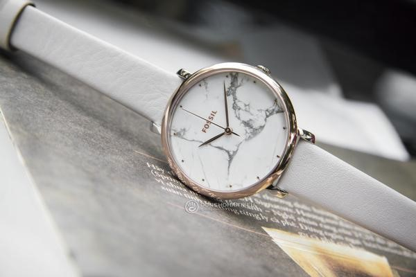 Đồng hồ Fossil nữ mặt tròn dây da ES4377