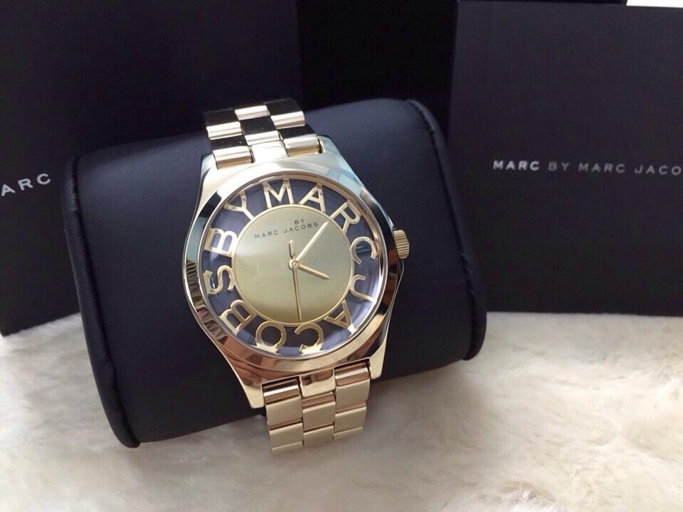 Cách phân biệt đồng hồ Marc Jacobs thật giả