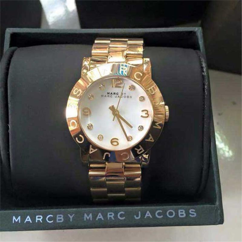 Giá đồng hồ Marc Jacobs phụ thuộc vào nhiều yếu tố khác nhau