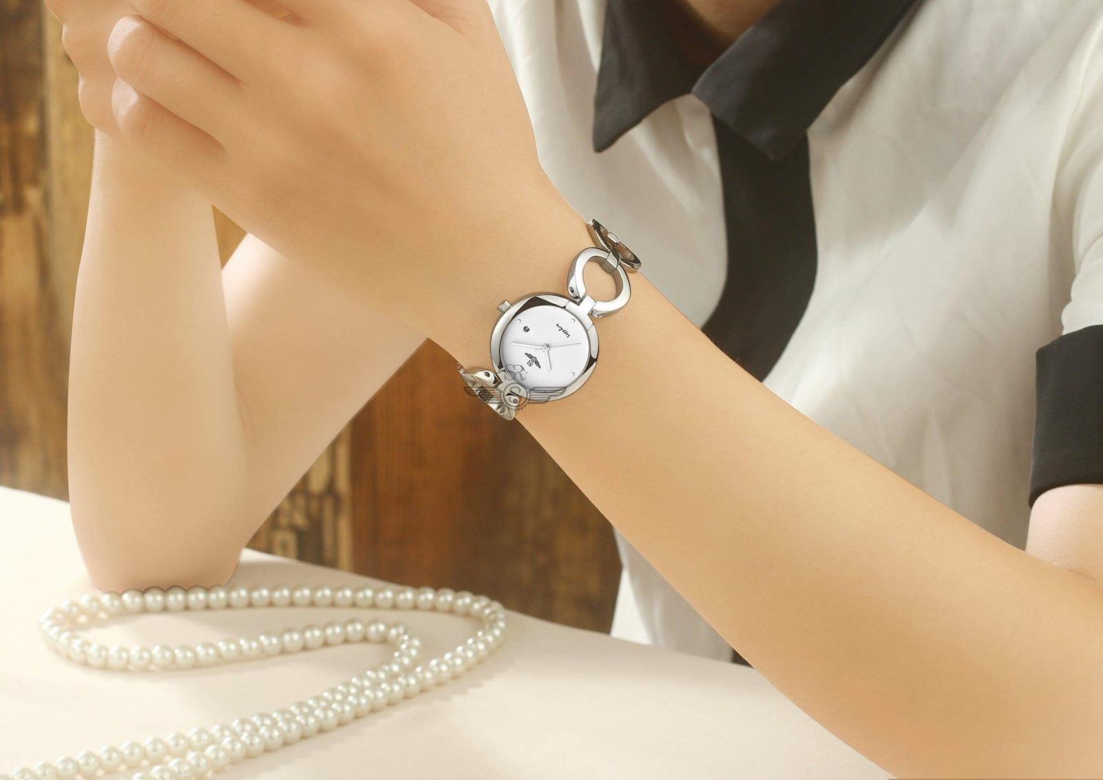 AnchorMột chiếc đồng hồ Srwatch nữ với thiết kế độc đáo giúp các cô nàng thu hút mọi ánh nhìn