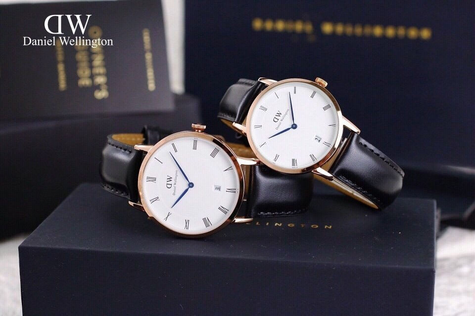 Dây đeo bằng da của đồng hồ Daniel Wellington, đều có in dòng chữ Genuine Leather sắc nét và gọn gàng