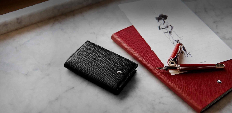 Đường may, vách ngăn của ví luôn có chất lượng tốt